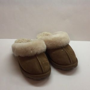 Ladies Shearling Slippers 6 Chestnut Barely Used